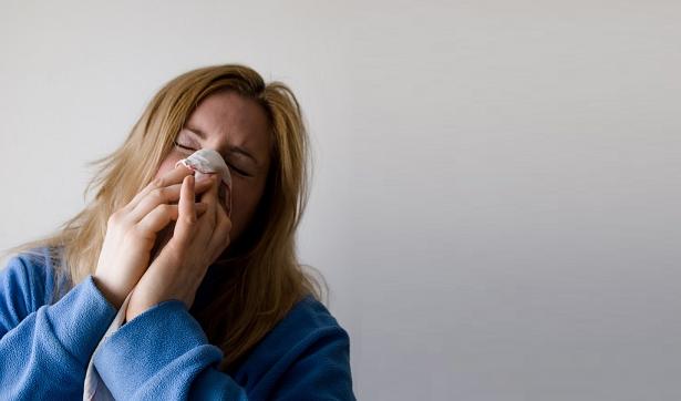 Raffreddore estivo: cause, sintomi, durata e rimedi