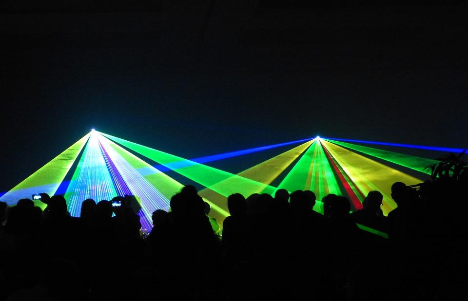 Luce artificiale: quando è troppa e costante, altera l'organismo