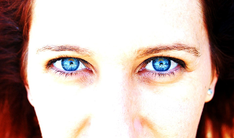 Occhi secchi e irritati: come porvi rimedio