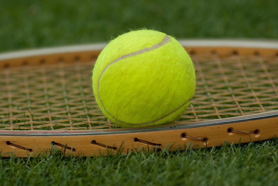 Sport che allungano la vita? Tennis vince su tutti, calcio inefficace