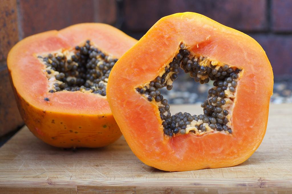 Le proprietà benefiche della Papaya Proprietà degli alimenti