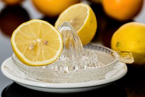 Limone, rimedio per disintossicare e dimagrire: ma è sicuro? Dieta