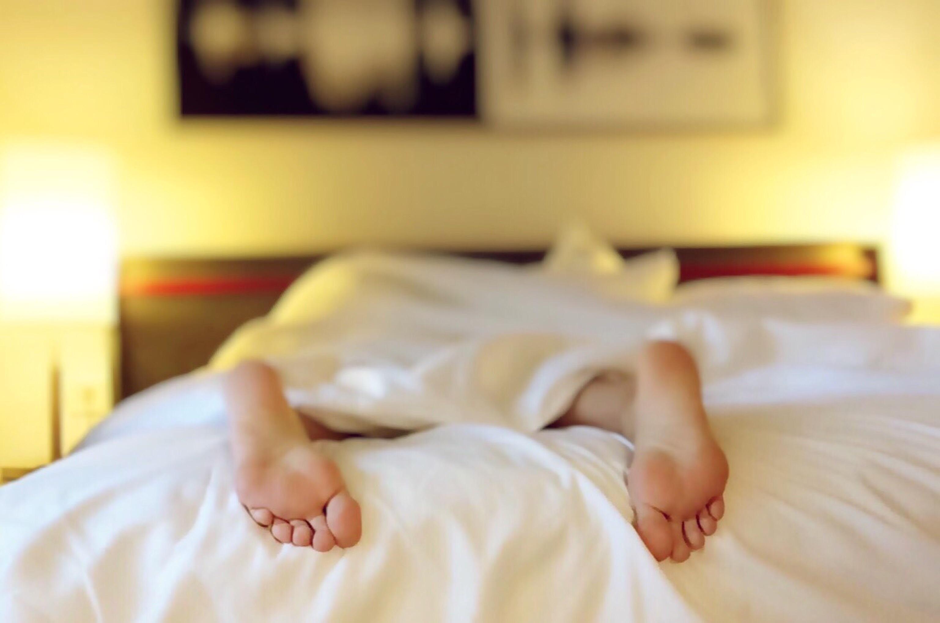 Una persona dorme meglio insieme ad un partner? Benessere