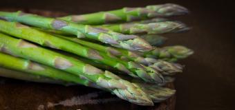 Pancakes agli asparagi: la ricetta top della primavera