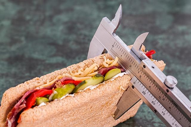 Dieta estiva ed ormoni del peso: come smaltire gli eccessi Dieta