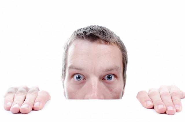 Attacchi di panico: i principali sintomi fisici e psicologici Malattie