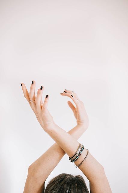 Onicofagia: come smettere di mangiarsi le unghie Rimedi