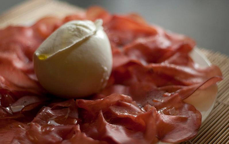Bresaola, i consigli per risaltarne il sapore Ricette dietetiche
