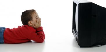 Bambini, occhio alla tv: guardarne troppa aumenta il rischio di diabete Benessere