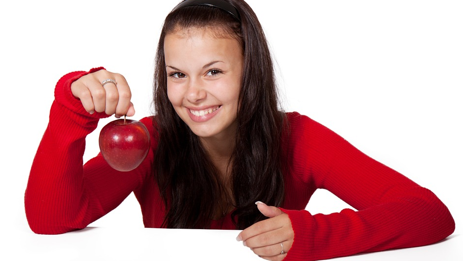 Dieta del sorriso: ecco i cibi che fanno tornare il buonumore Dieta
